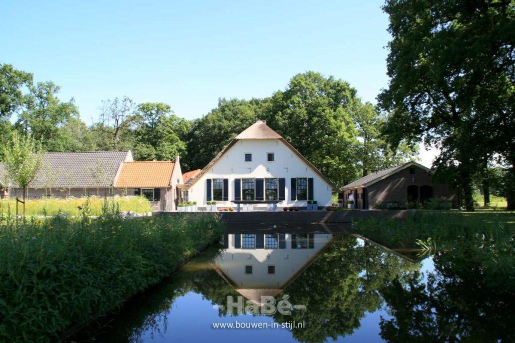 Gastenverblijf Bouwen Prijs : Renovatie van woonboerderij in zwartebroek bouwen in stijl