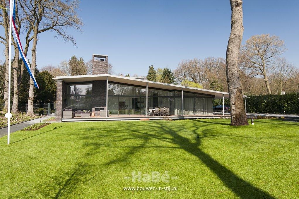Moderne villa met open karakter te lunteren hab for Huis duurzaam maken
