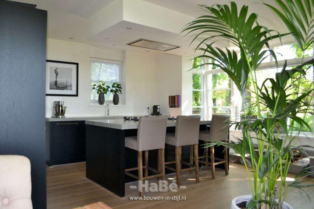 Keuken Nieuwbouw Open : Vrijstaande woning met praktijkruimte in jaren 30 stijl te lunteren