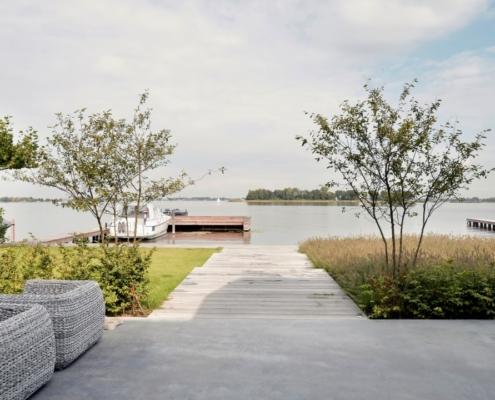 Rietgedekte villa met geweldig zicht over de Loosdrechtse Plassen - privésteiger