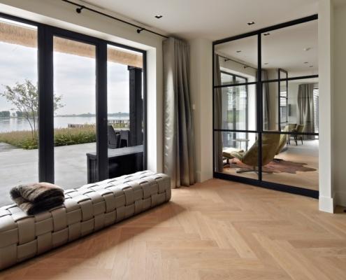 Rietgedekte villa met geweldig zicht over de Loosdrechtse Plassen - fantastisch zicht naar de tuin en het water