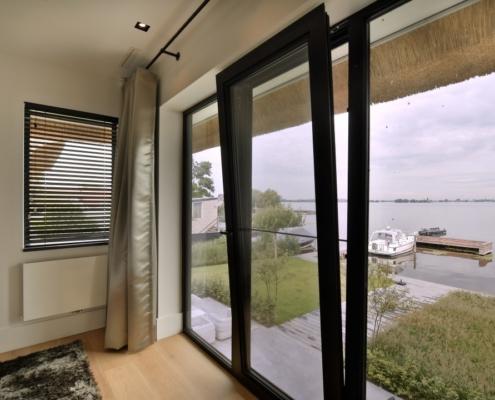 Rietgedekte villa met geweldig zicht over de Loosdrechtse Plassen - fantastisch uitzicht