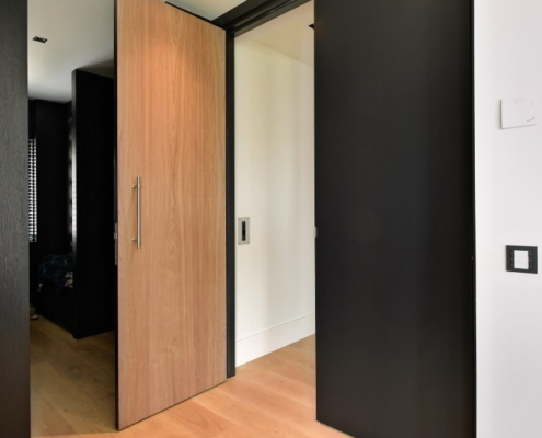 Rietgedekte villa met geweldig zicht over de Loosdrechtse Plassen - Walk-in closet